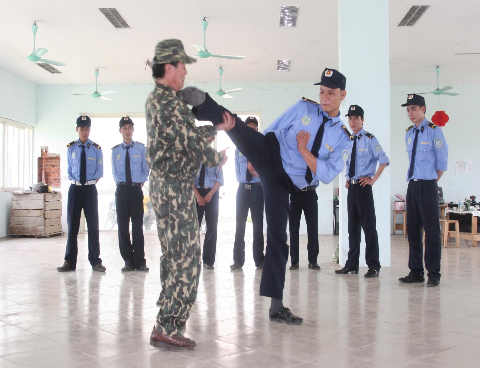 Dịch vụ bảo vệ tại Hà Nội – Bảo vệ chuyên nghiệp
