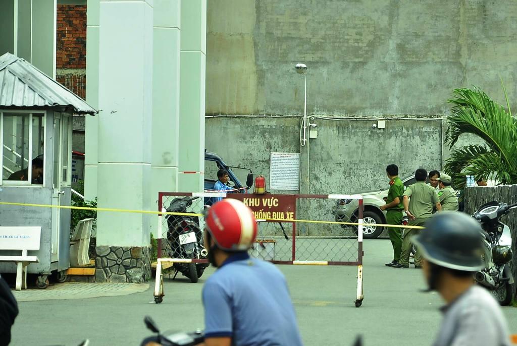 Phát hoảng với xác người trong bao tải tại chung cư Sài Gòn
