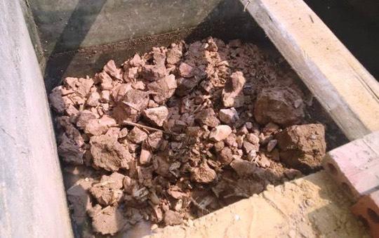 Mất tích từ năm 2010, hài cốt được phát hiện trong bể phốt