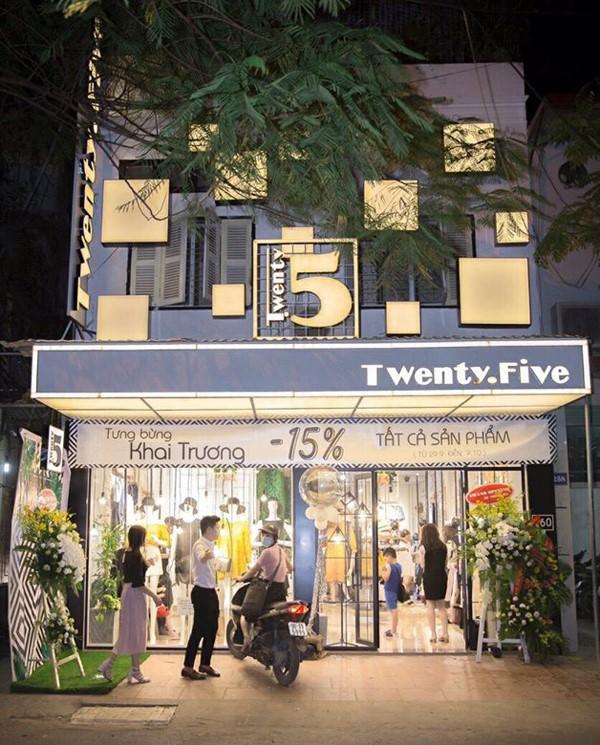 Bảo vệ an ninh 24HVN đang thực hiện nhiệm vụ tại hãng thời trang nữ nổi tiếng Twenty Five